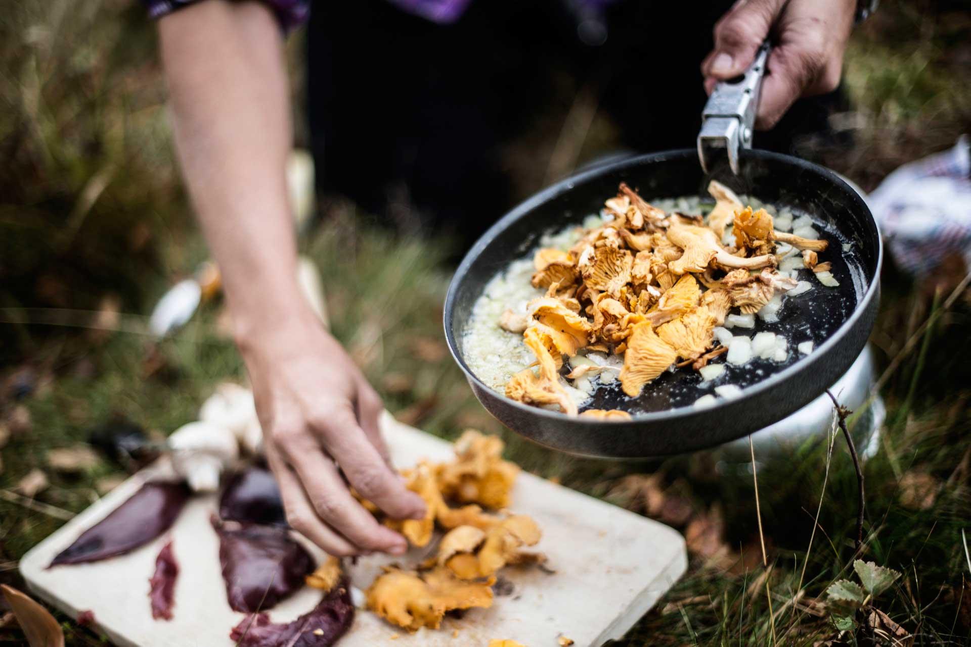 Outdoor cooking Sweden | Photo: Sandra Lee Pettersson