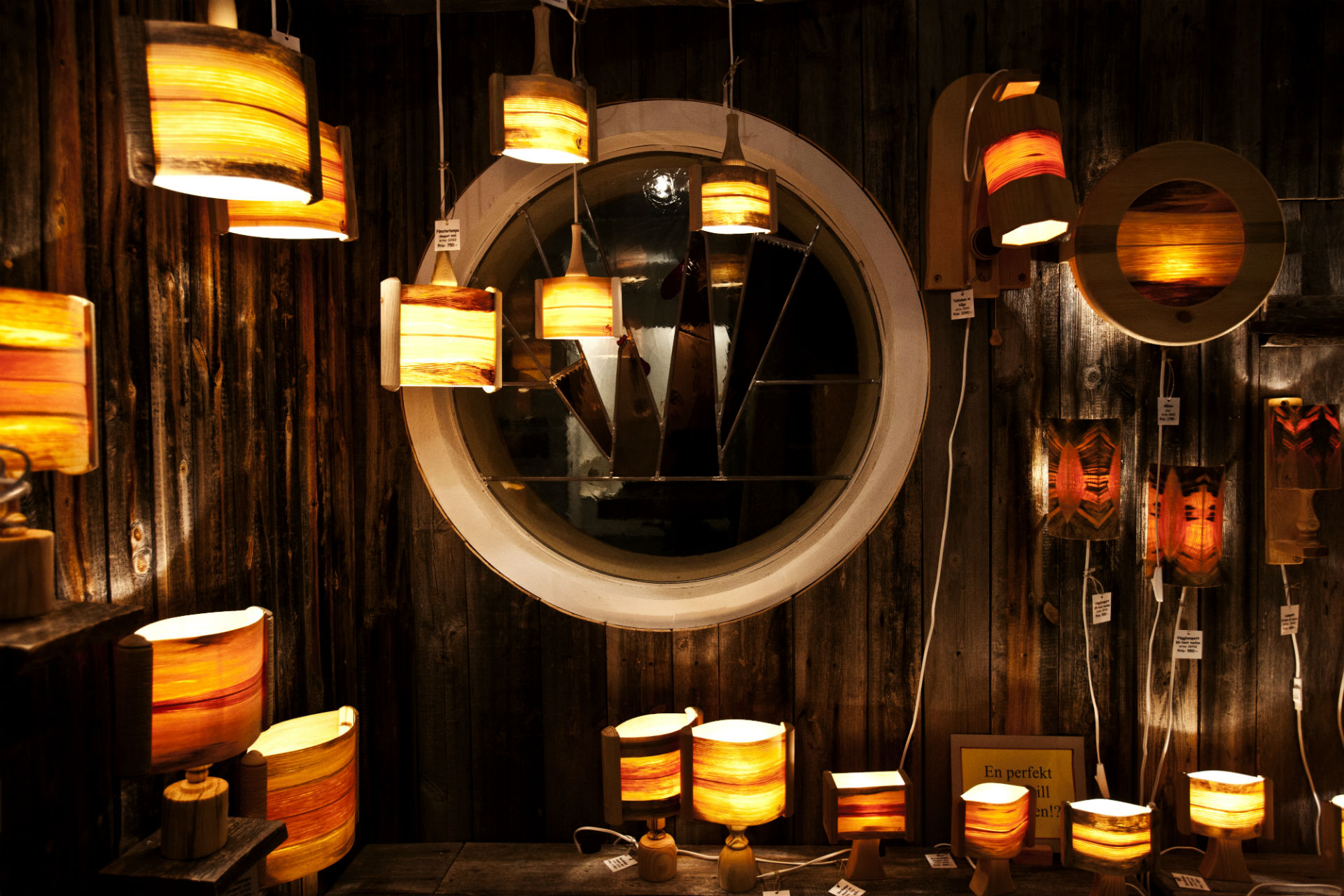 Wooden lamps bluewood